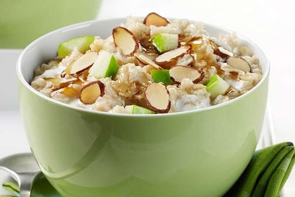 Здоровое питание: чем полезна рисовая каша на молоке и как ее готовить